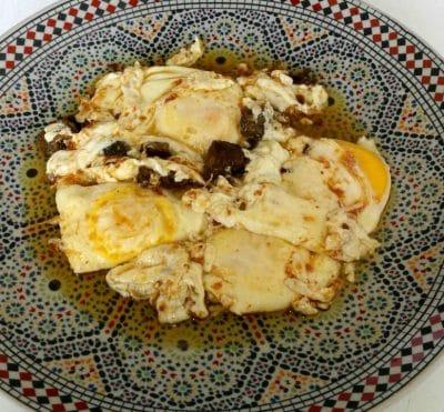 Omelette au Khliî ( Viande Séchée et Confite à la marocaine)