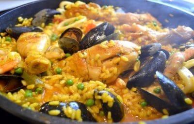 Paella Rapide au Poulet et Fruits de Mer