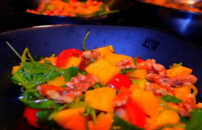 Salade de Mangue, Noix et Roquette
