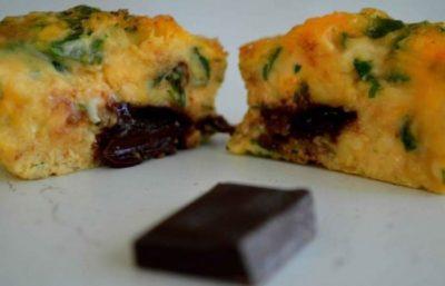 Omelette Soufflée au Persil et Chocolat