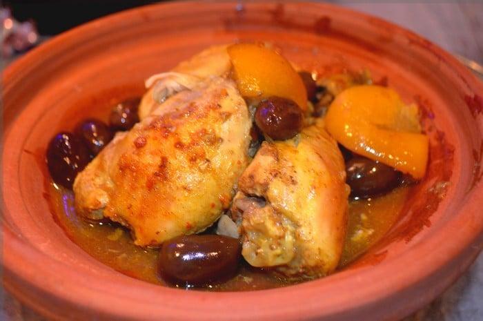 Tajine De Poulet Aux Olives À La Marocaine