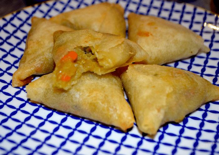 Samossas Végétariens Aux  Légumes À L'indienne