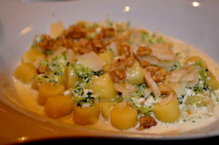 Gnocchis Pâtes à La Crème Blanche AU Parmesan
